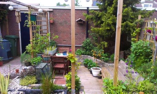 deel eigen tuin kort na aaneg