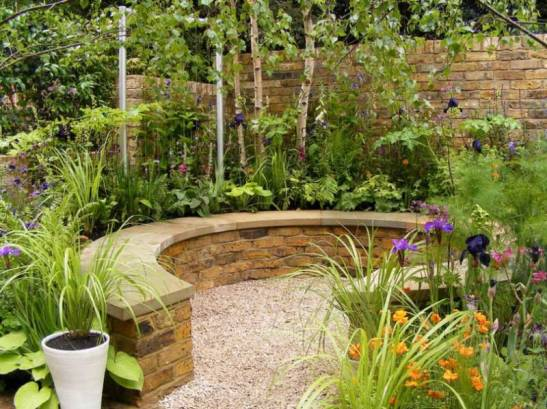 Small-Urban-Garden-Design-Ideas-And-Pictures-1