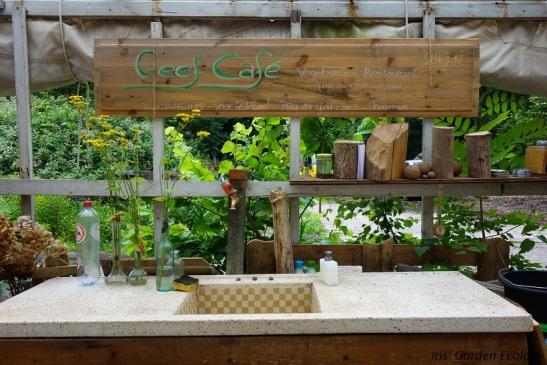 Geef Café in de kas.