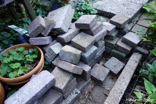 Rode Tegels Tuin.16 Ideeen Voor Hergebruik Van Tuintegels En Stenen Iris Garden